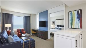 gallery-hubwh-tdt-twin-dolphin-suite-living