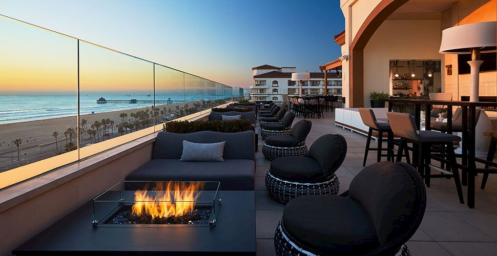 Offshore 9 Rooftop Bar in Huntington Beach
