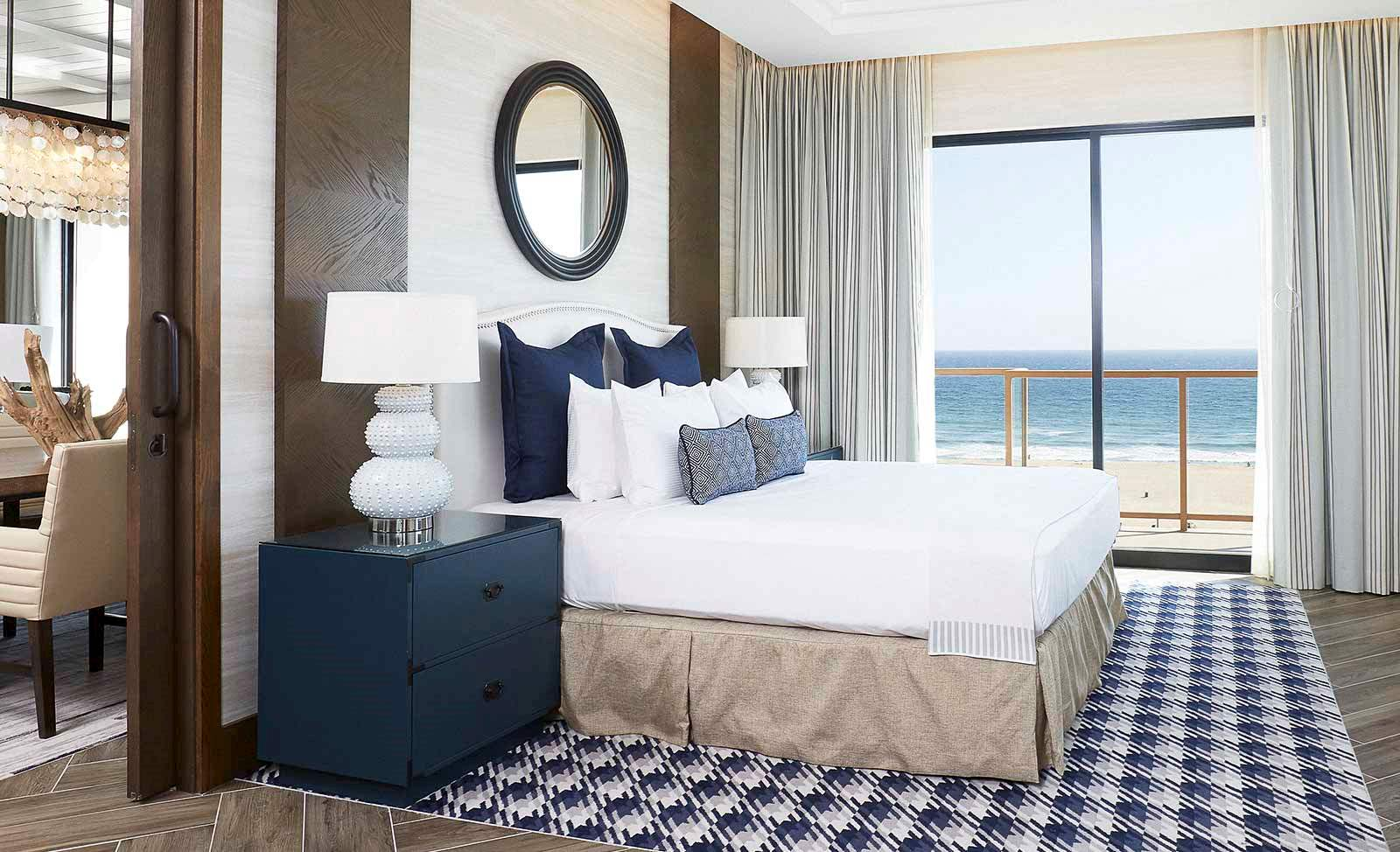 Luxury Hotel in Huntington Beach - The Waterfront Beach Resort