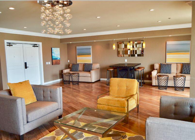 Driftwood Suite in Waterfront Beach Resort - a Hilton Hotel, Huntington Beach
