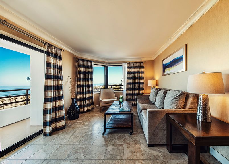 The Waterfront Beach Resort, a Hilton Hotel, Huntington Beach One Bedroom Suite