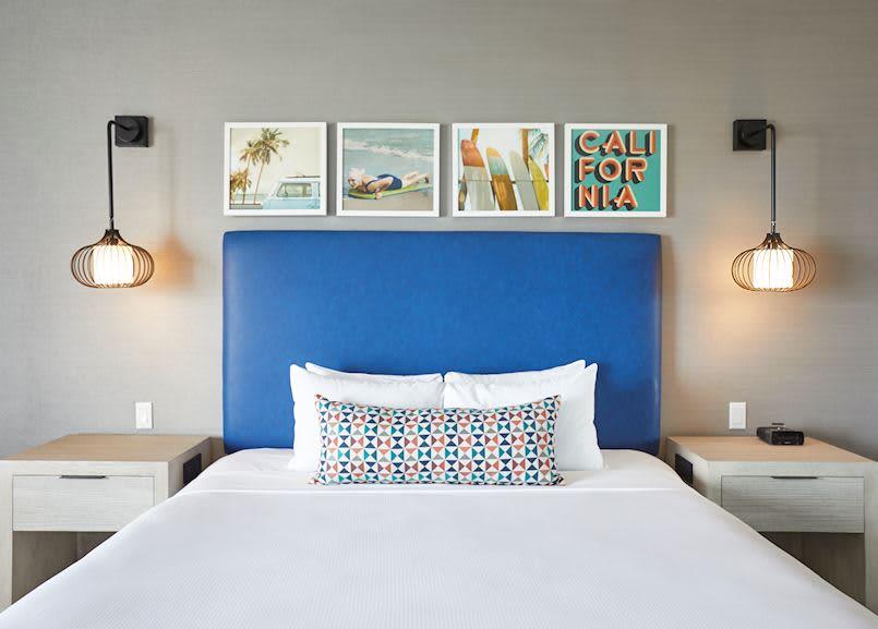Partial Ocean View King Room of Waterfront Beach Resort - a Hilton Hotel, Huntington Beach