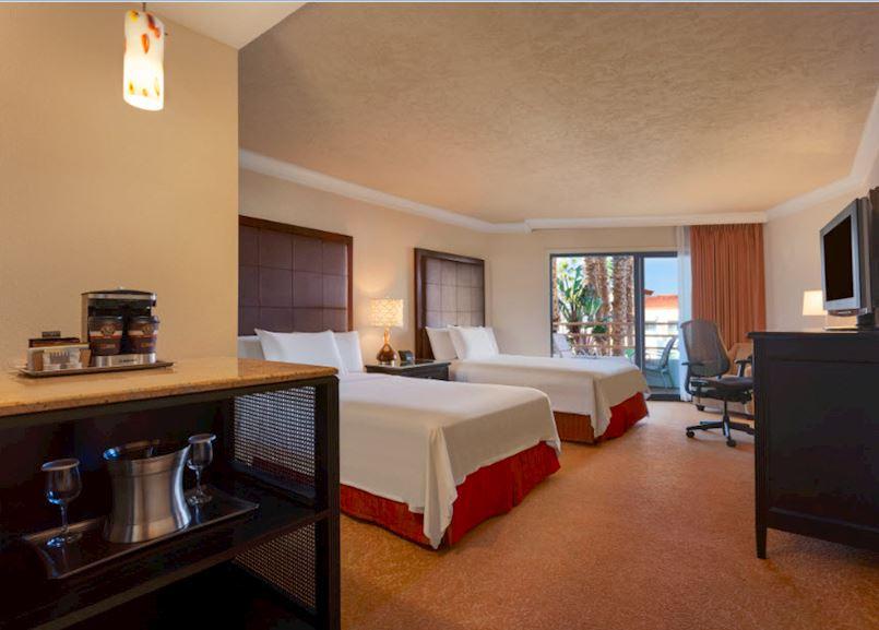 Waterfront Beach Resort - a Hilton Hotel, Huntington Beach Resort View Queen Room