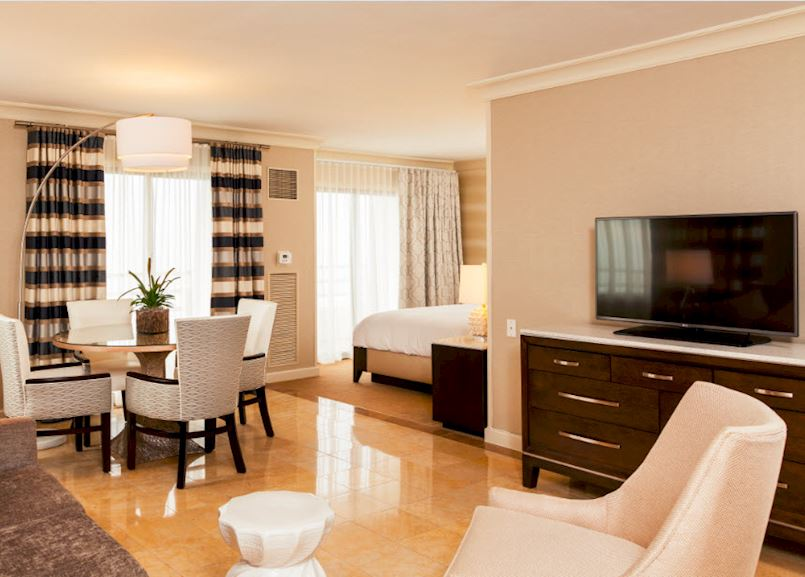 Studio Suite at Waterfront Beach Resort - a Hilton Hotel, Huntington Beach