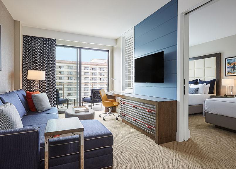 Waterfront Beach Resort - a Hilton Hotel, Huntington Beach Pacific Suite