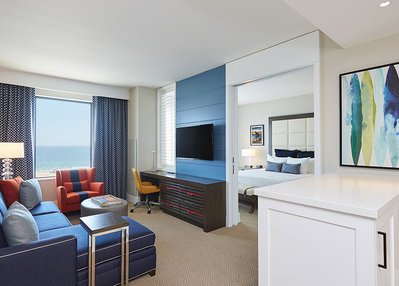 Waterfront Beach Resort - a Hilton Hotel, Huntington Beach Twin Dolphin Suite